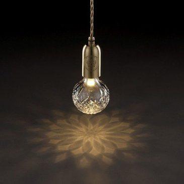 Kryształowa żarówka na kablu