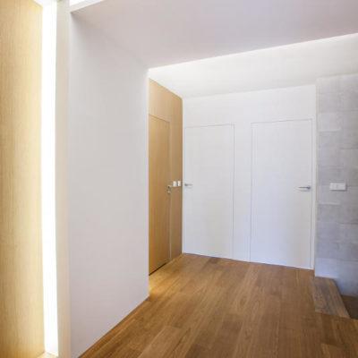 DS14 hol licowane drzwi w korytarzu